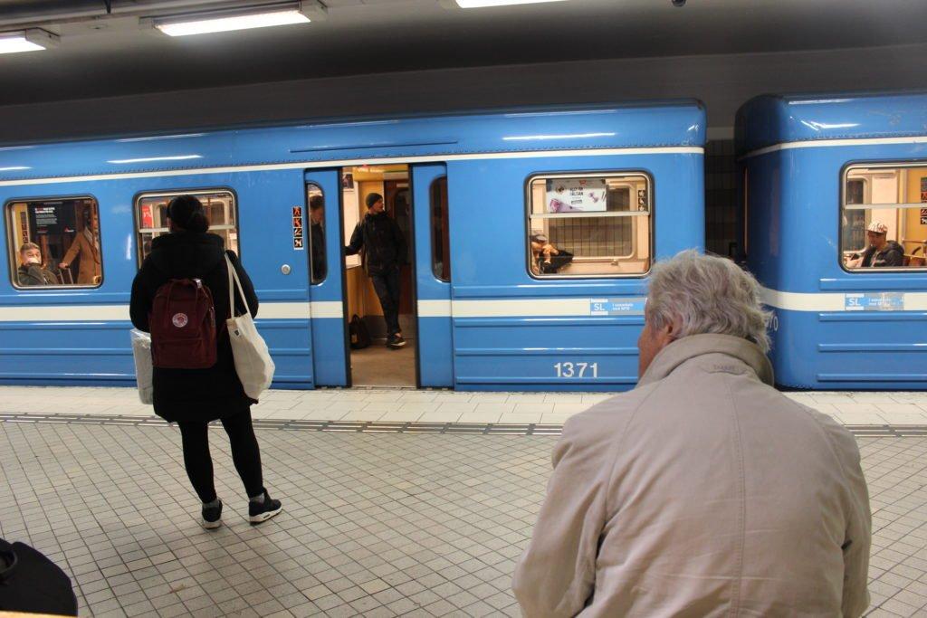 Stockholm Transport guide. Airports, Metro, Tram, Bus.
