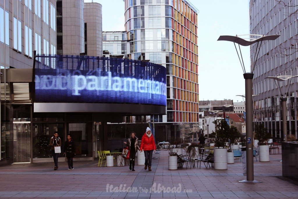 Parlamentarium brussels - free visit - italiantripabroad - italian travel couple expat in uk - top uk travel blog