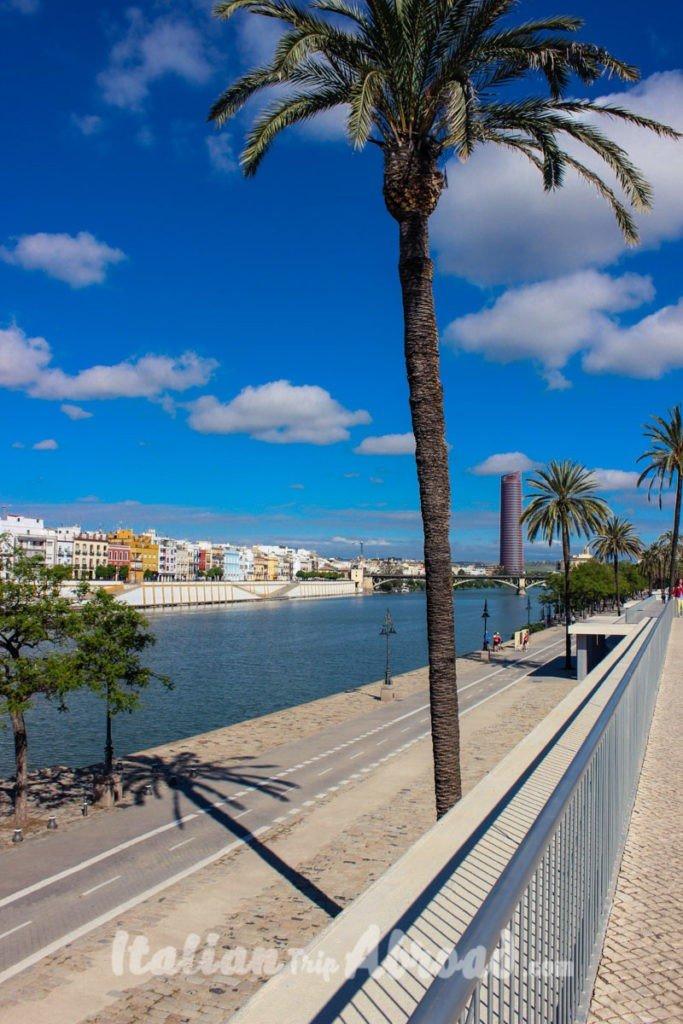 Guadalquivir Riverfront - Discover Sevilla - riverside
