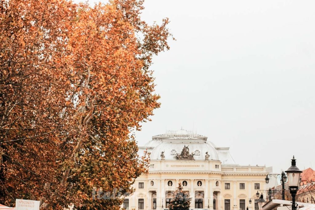24 hours in Bratislava - National Theater