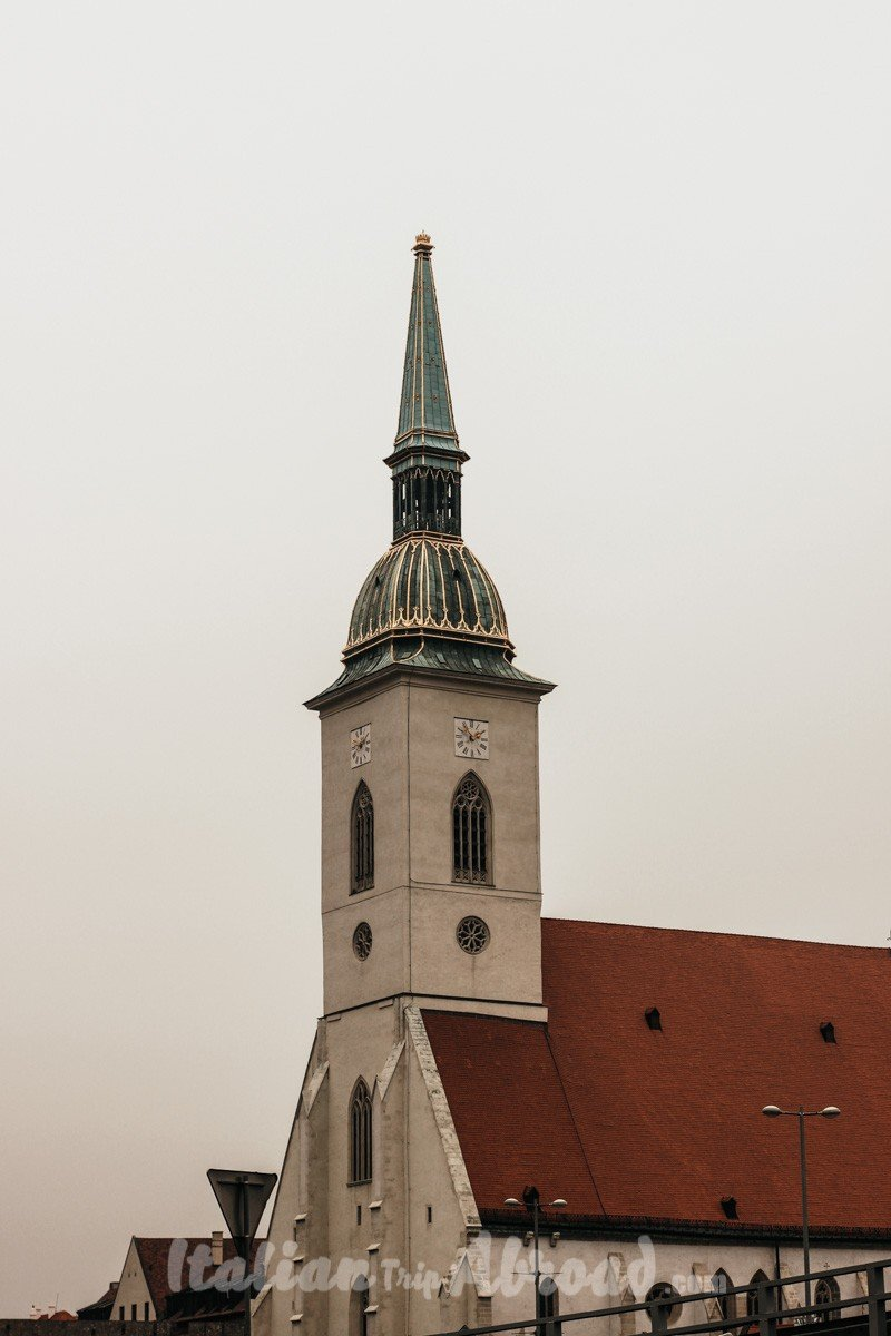 st-martin-cathedral-Bratislava-in-one-day-winter-in-bratislava-slovakia-1498