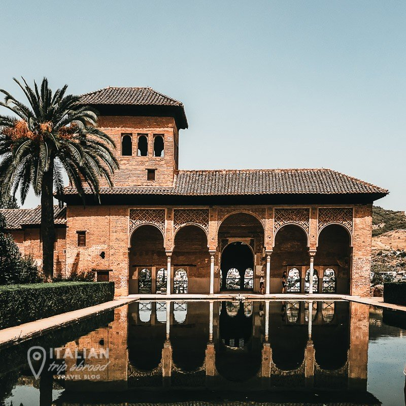 Granada - arches - Alhambra - Malaga day trips adventures