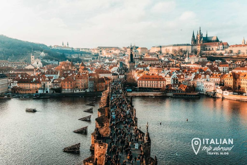 Charles Bridge / top photo spots in prague