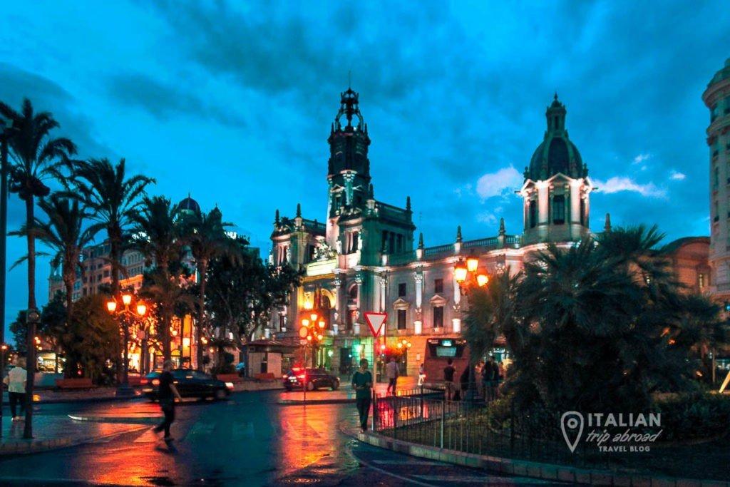 The crazy nightlife of Valencia, Spain