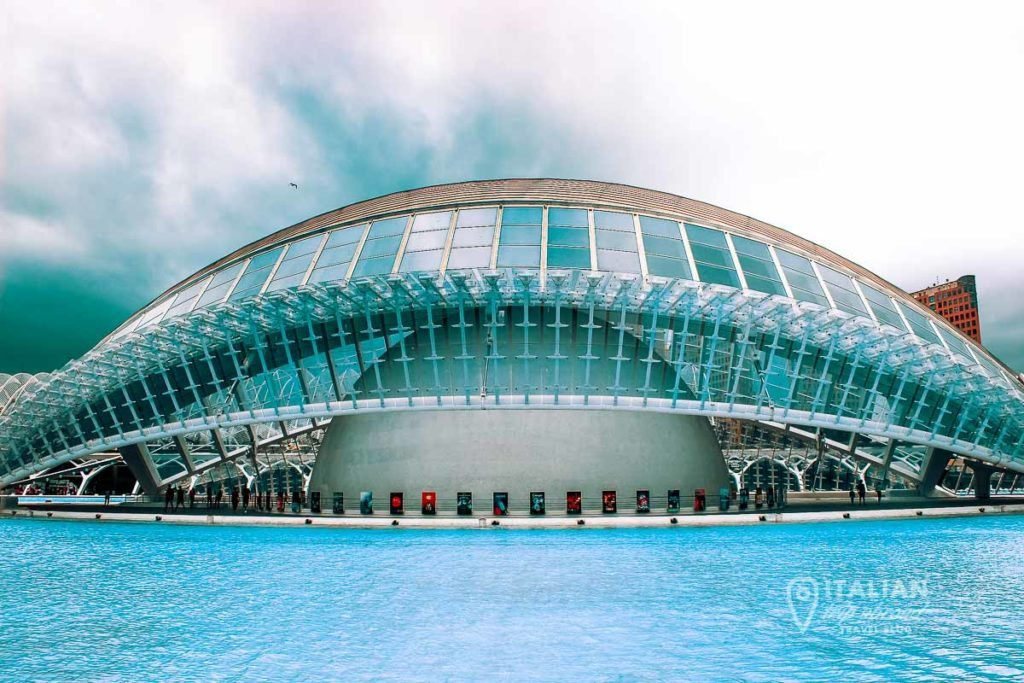 Why is worth to visit Valencia? What to see in Valencia in 2 days