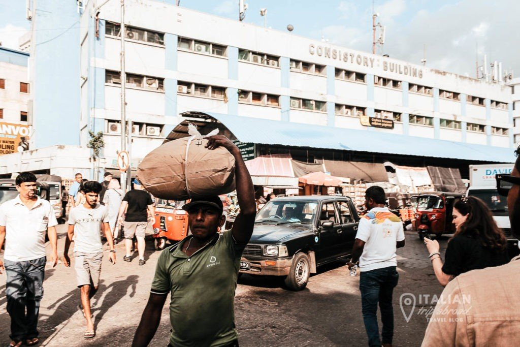 Colombo Sri Lanka Locals Market | Sri Lanka 10 day itinerary |