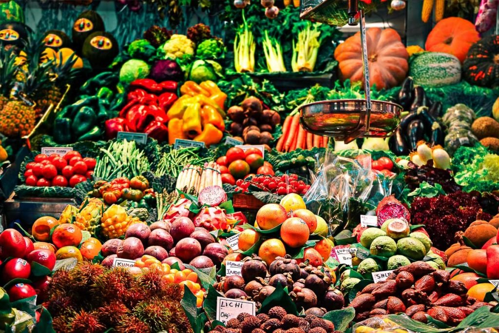 San Lorenzo Market the ideal place to find fresh hand picked products in Florence