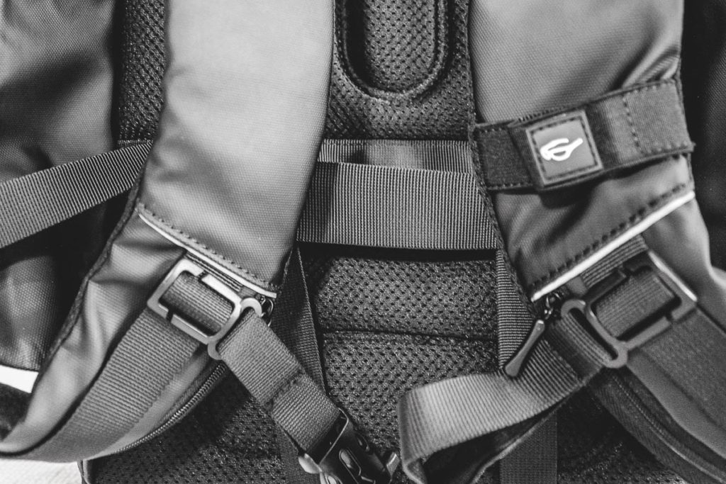 Chest straps of Nayo Smart backpack
