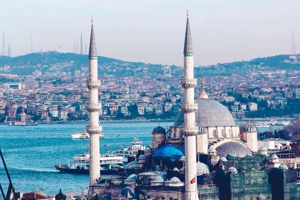 Fly to Istanbul with Turkish airlines for a stepover and go