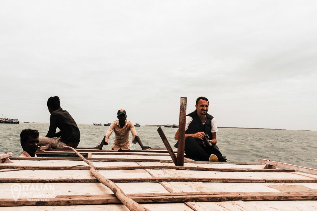 On a wood boat to Nagadeepa Island - What to do in Jaffna