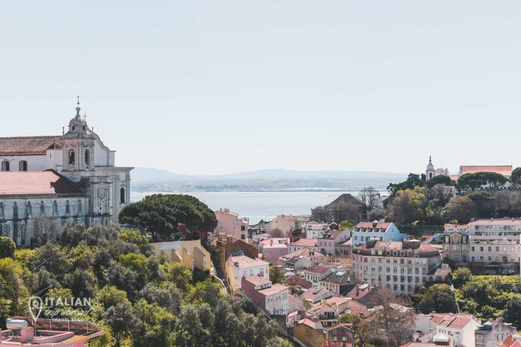 The extraordinary view from the Miraduros of Lisbon, special terrazas in the city